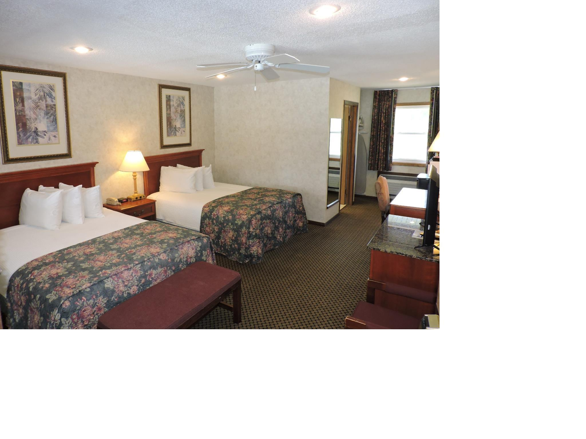 Picture of: Indian Hills Inn Rv Park Albia United States Photos Room Rates Promotions