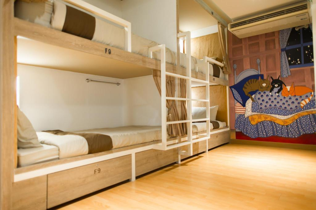 1 Person in 12-Bed Dormitory - Female Only Stay With Hug Poshtel & Activities