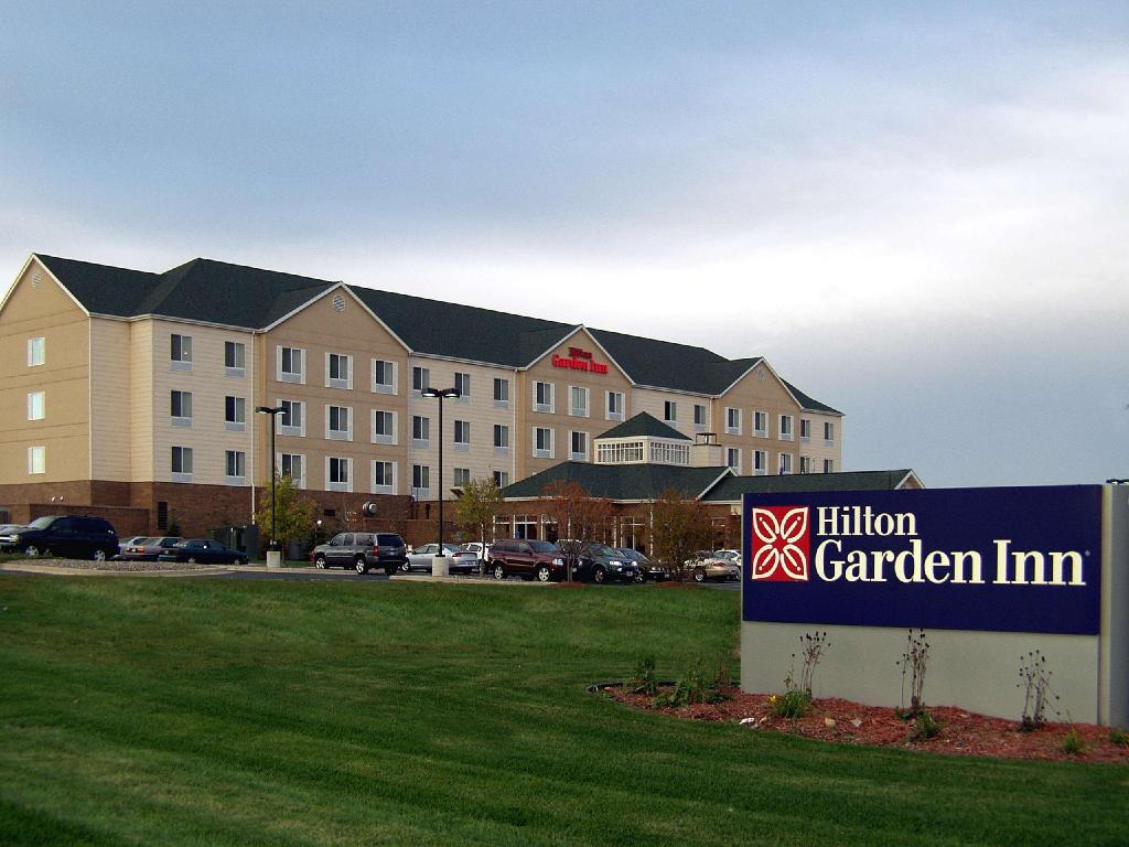 More about Hilton Garden Inn St. Paul Oakdale
