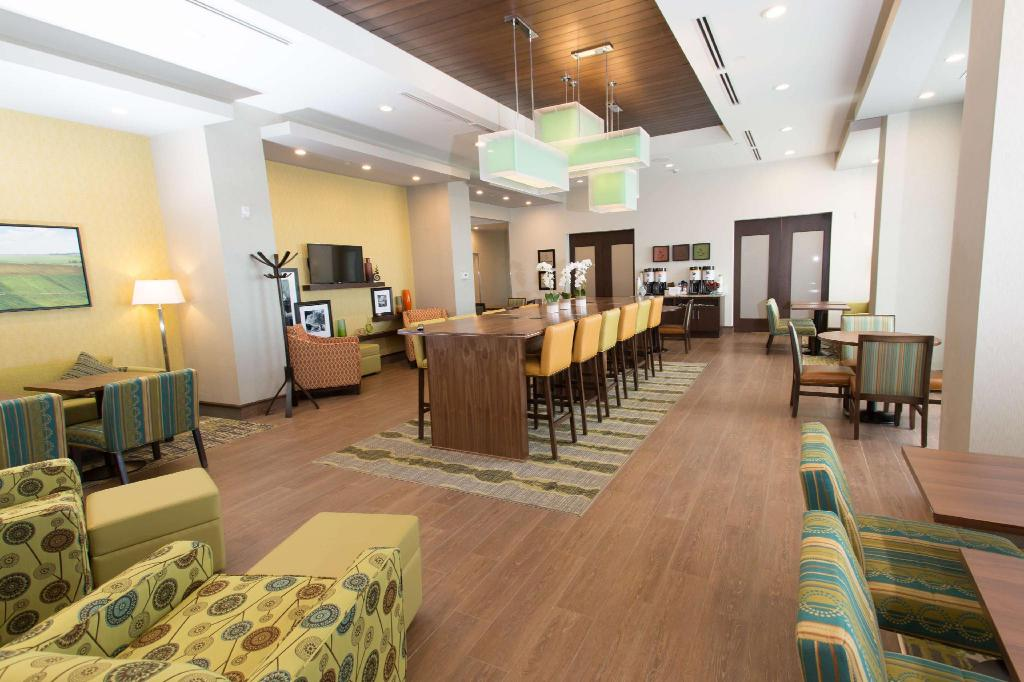 Interno Hampton Inn Lloydminster
