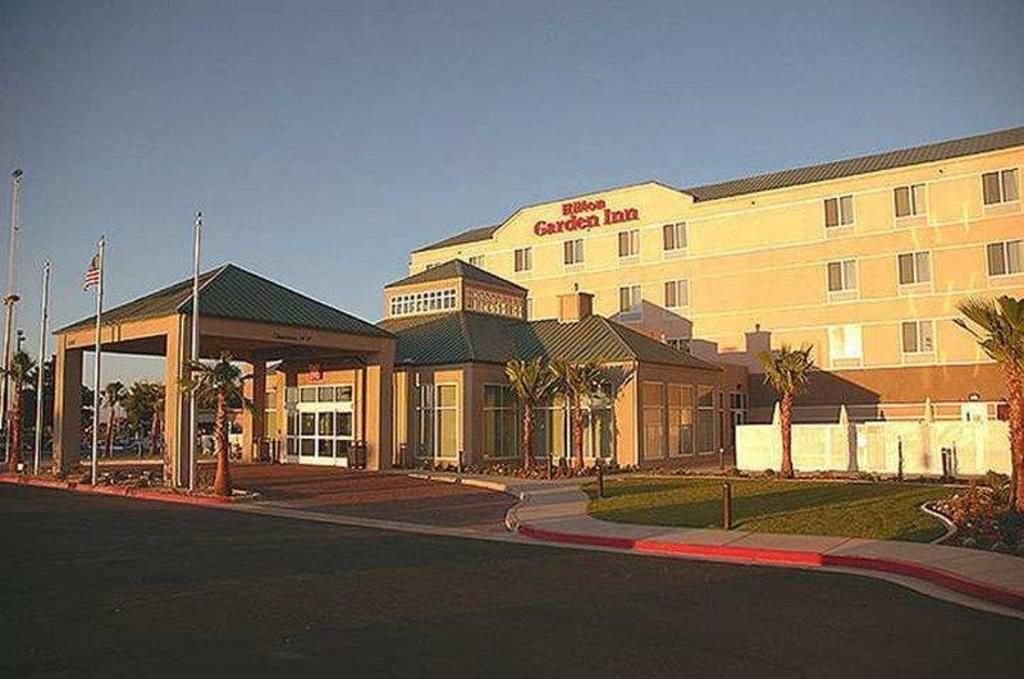 Hilton Garden Inn Victorville in Victorville (CA) - Room Deals, Photos & Reviews