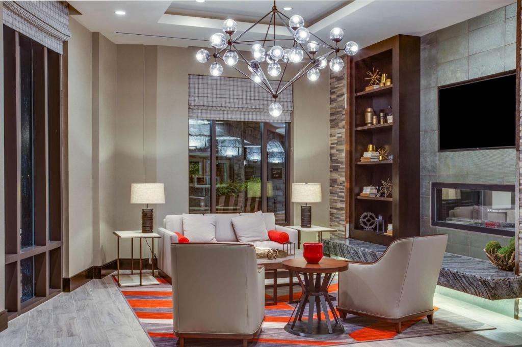 Homewood suites savannah historic district riverfront in savannah ga room deals photos for Hotels with 2 bedroom suites in savannah ga