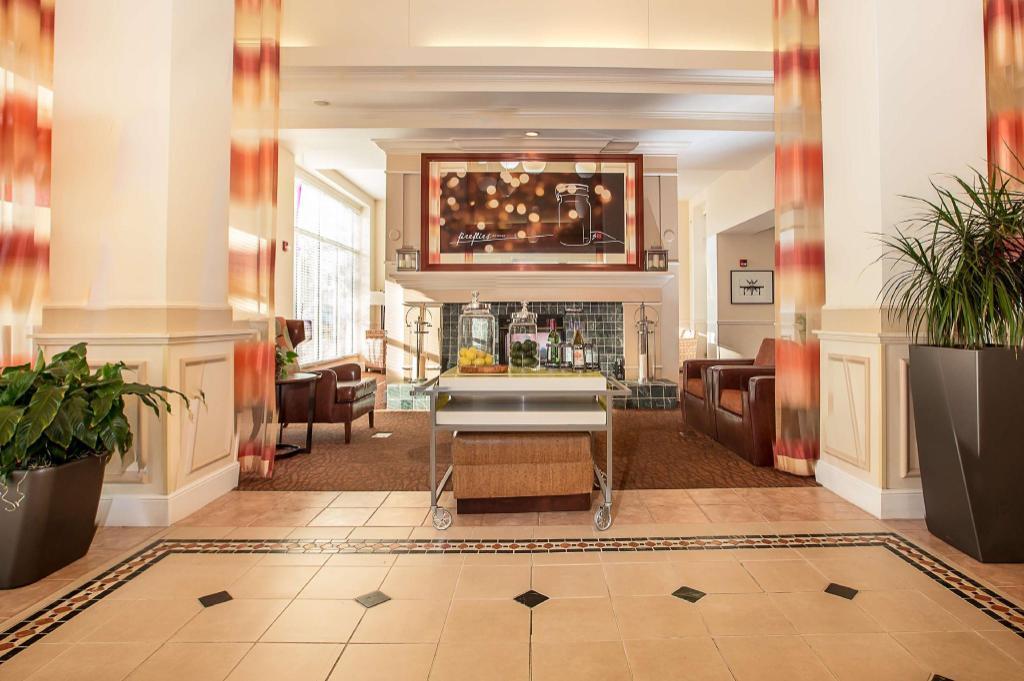 lobby hilton garden inn oshkosh - Hilton Garden Inn Oshkosh