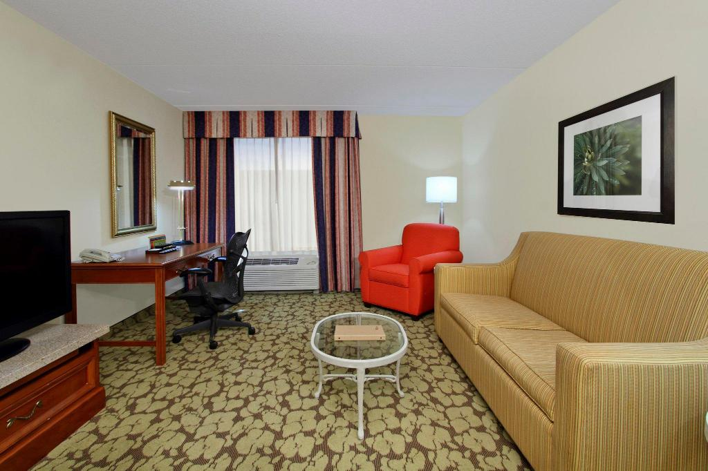 Hilton Garden Inn Chesapeake Greenbrier