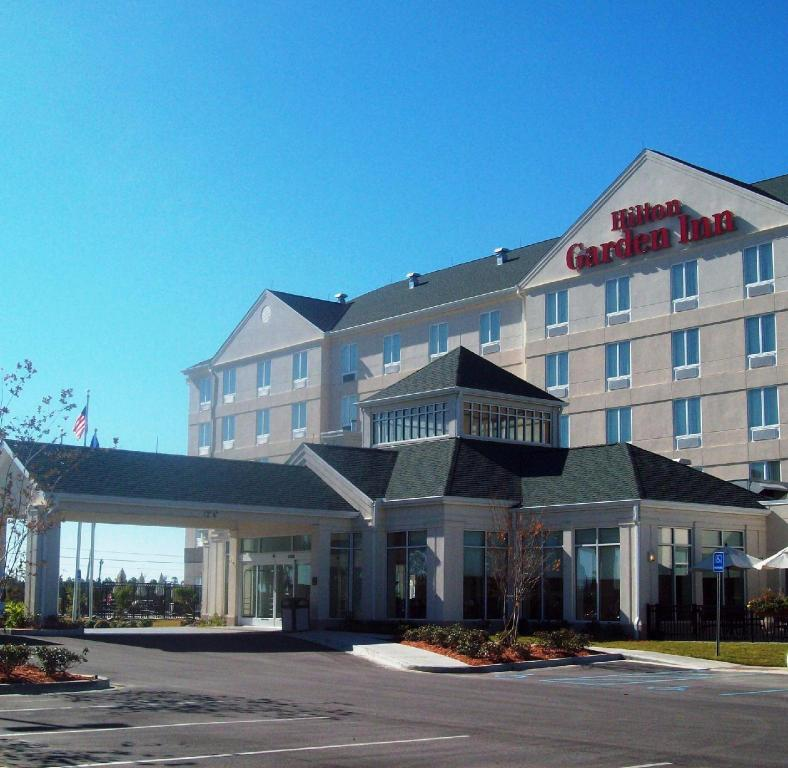 More about Hilton Garden Inn Gulfport Airport