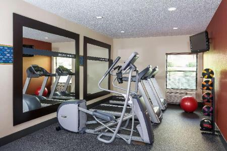Fitness center Hampton Inn Mansfield Ontario