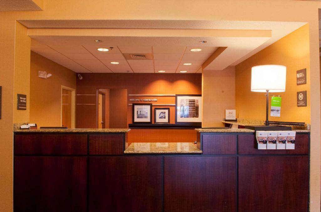 Lobby Hampton Inn Louisville North Clarksville
