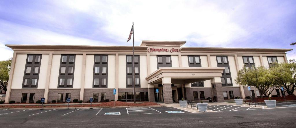 More about Hampton Inn Louisville North Clarksville