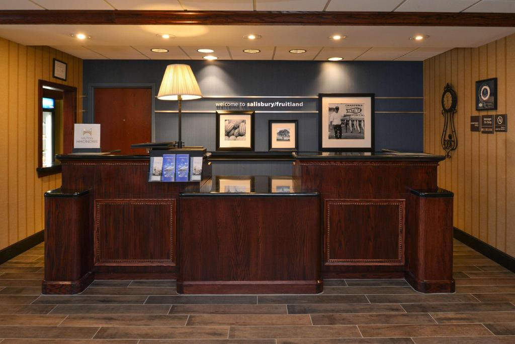 Predvorje Hampton Inn and Suites Salisbury Fruitland