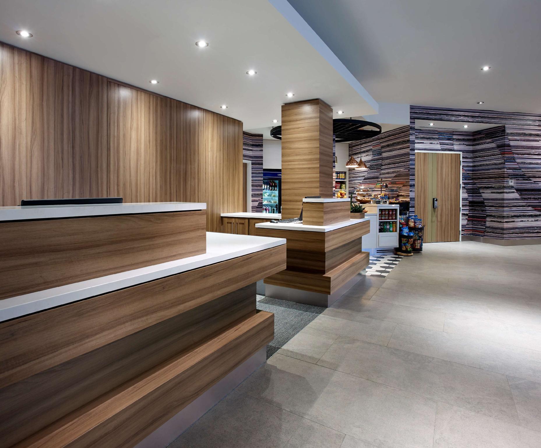 Hilton Garden Inn Toronto Airport in Mississauga (ON) - Room Deals ...