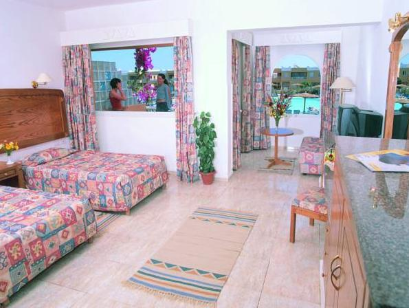 Deluxe Double Room with Garden and Pool View