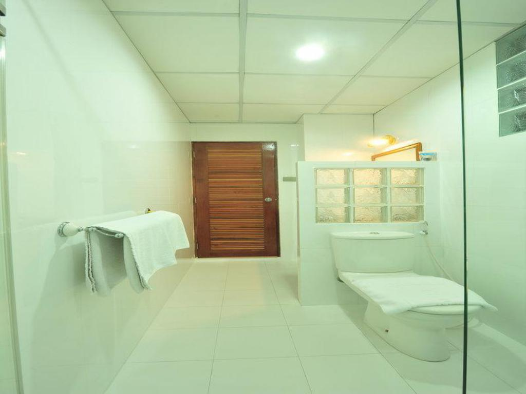 Bathroom Lullaby Inn Silom