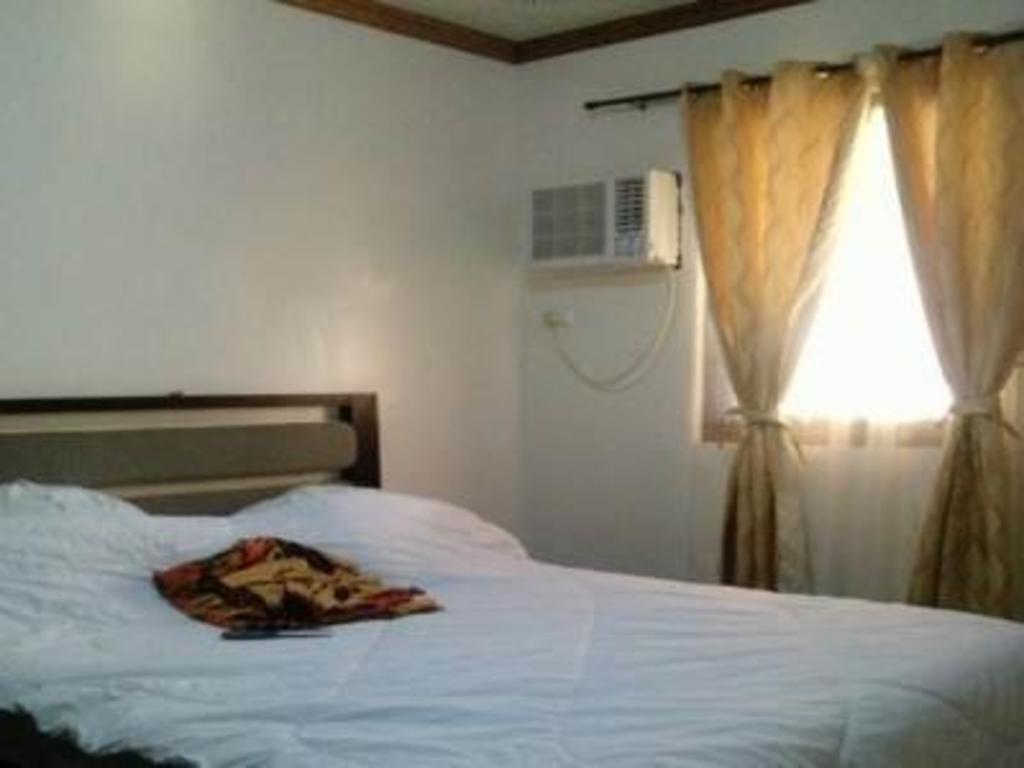 Bali Village Hotel Resort And Kubo Spa Tagaytay Booking Deals Photos Reviews