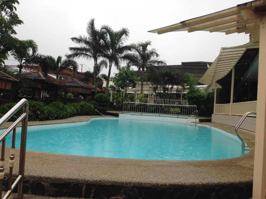 Book bali village hotel resort and kubo spa in tagaytay philippines 2018 promos for Tagaytay resort with swimming pool