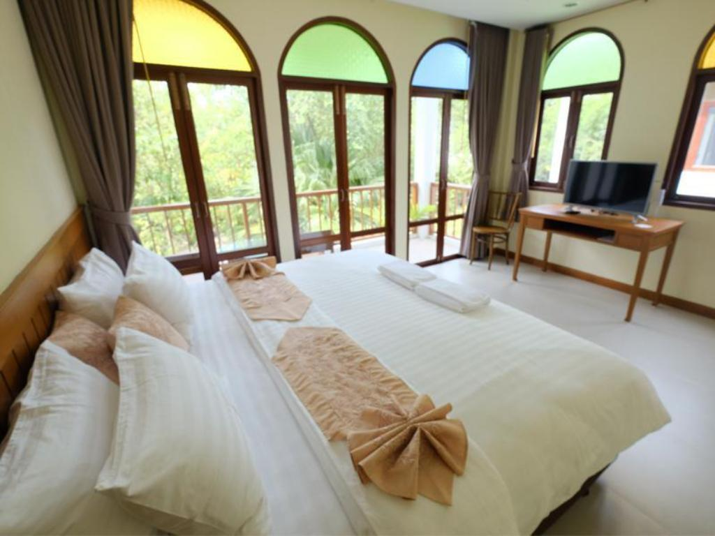 More about Baan Imm Sook Resort