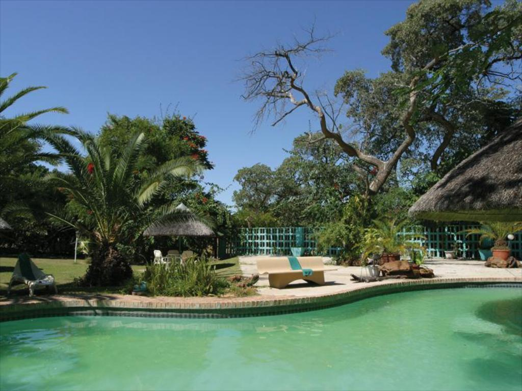 Piscina Protea Hotel Zambezi River Lodge