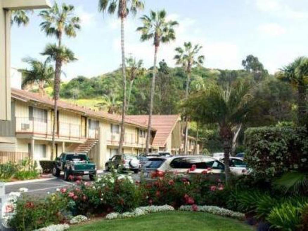 Vagabond Inn Hotel Circle (Hotel Iris - Mission Valley-San Diego Zoo-Seaworld)