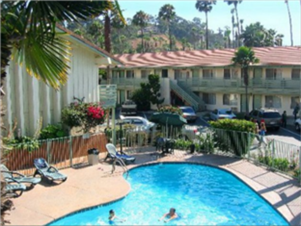 Piscina Vagabond Inn Hotel Circle (Hotel Iris - Mission Valley-San Diego Zoo-Seaworld)