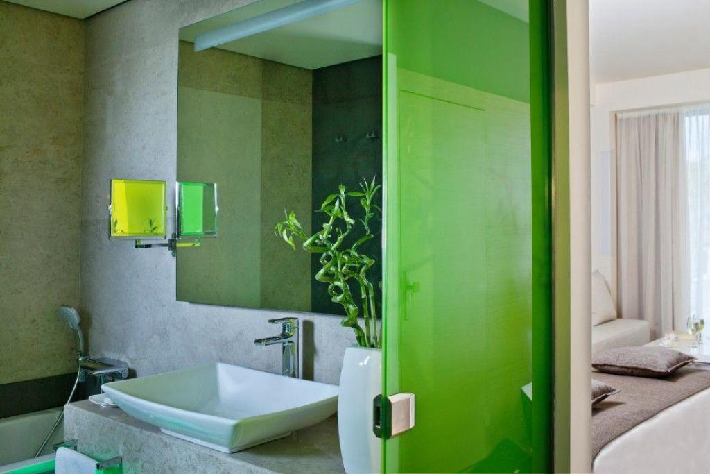 Deluxe Double or Twin Garden View - Bathroom Avra Imperial Beach Resort And Spa