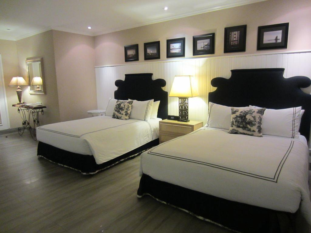 Premier Suite (Up to 2 Persons Only)