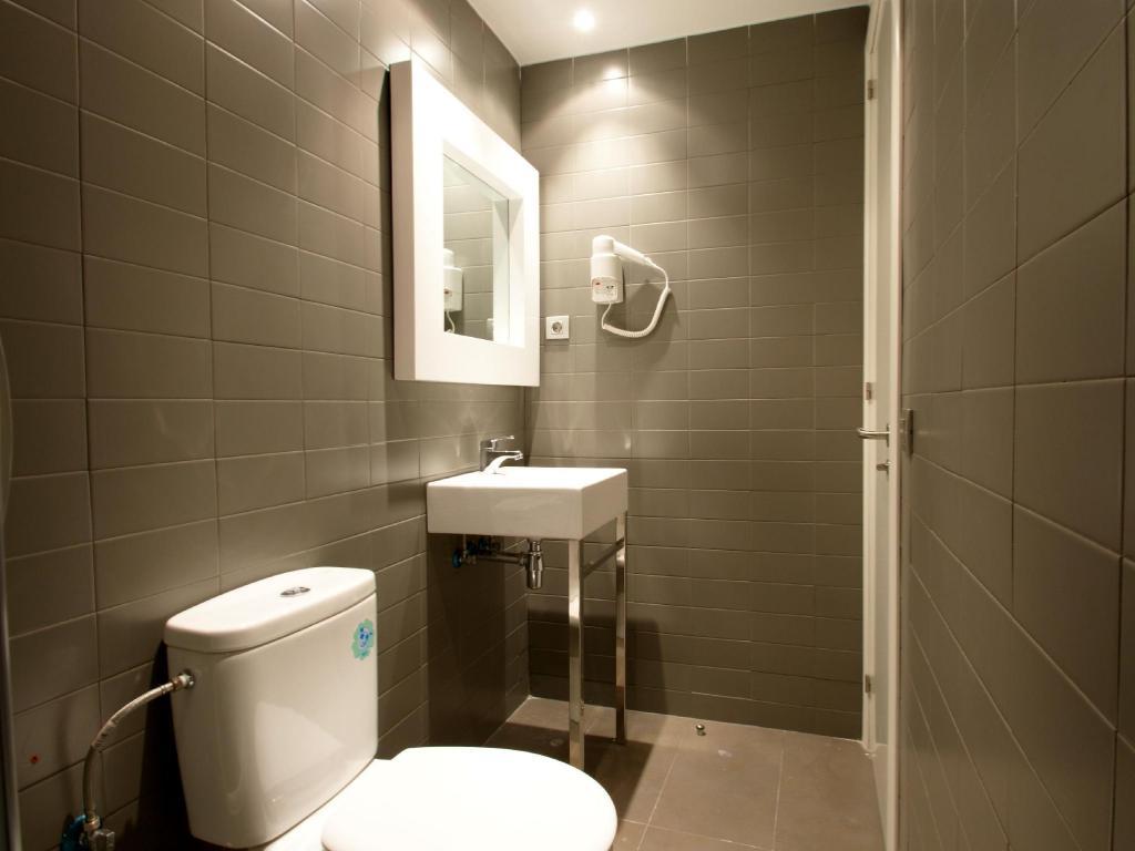 ห้องพักราคาถูกที่สุดที่ฮอสทอล ดิงดง เอ็กซ์เพรส (Hostal ...