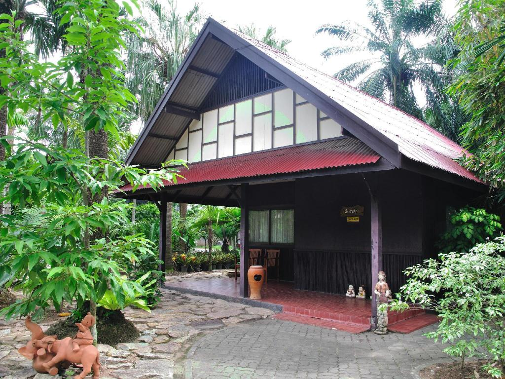 Best Price on Nongnooch Garden Resort in Pattaya + Reviews!