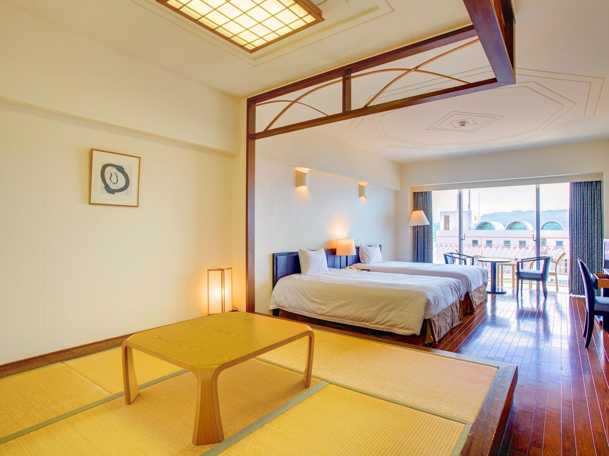 스탠다드룸 (4인, 다다미 공간, 금연) (Standard Room with Tatami Area for 4 People - Non-Smoking)