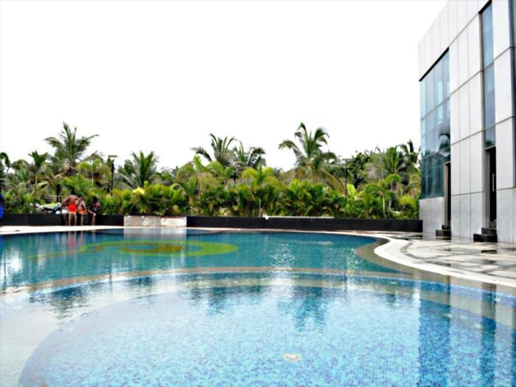 Jade beach resort in chennai room deals photos reviews for Beach resort in chennai with swimming pool