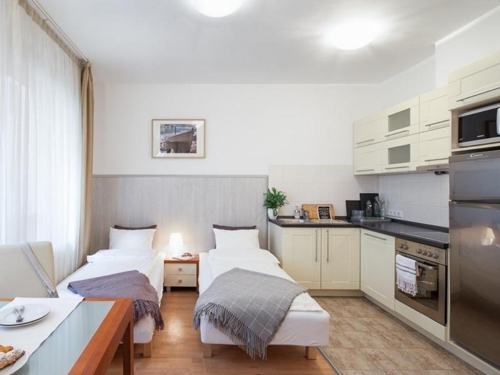 Lord Residence in Budapest - Room Deals, Photos & Reviews
