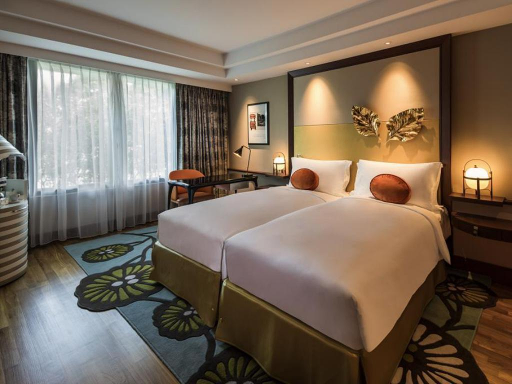 Luxury Room with Twin Bed - Guestroom Sofitel Singapore Sentosa Resort And Spa