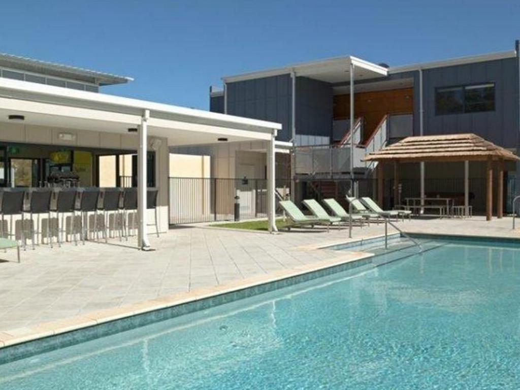 Footprints preston beach in mandurah room deals photos - Preston hotels with swimming pool ...
