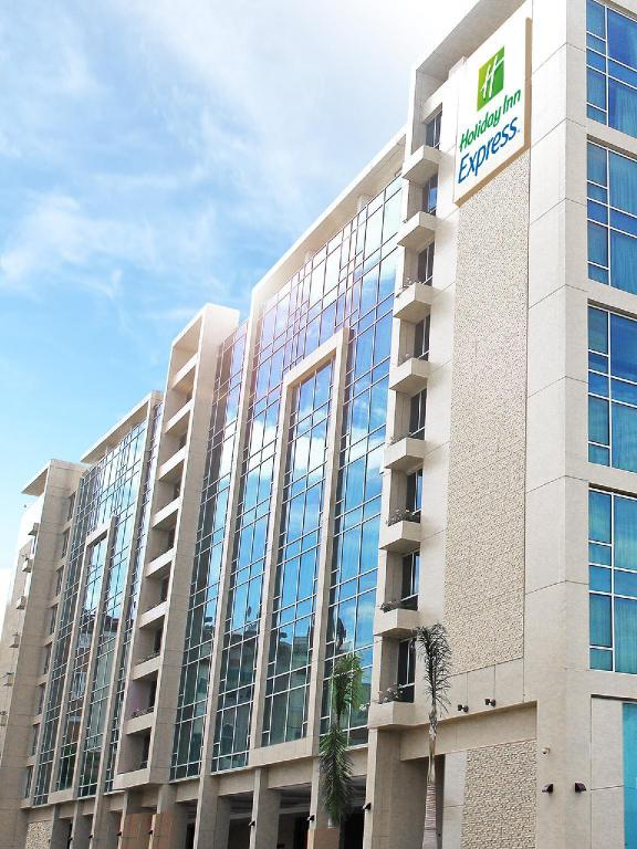 More about Holiday Inn Express Manila Newport City