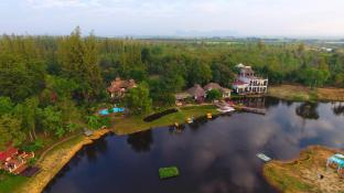 Golden Lake View Boutique Resort