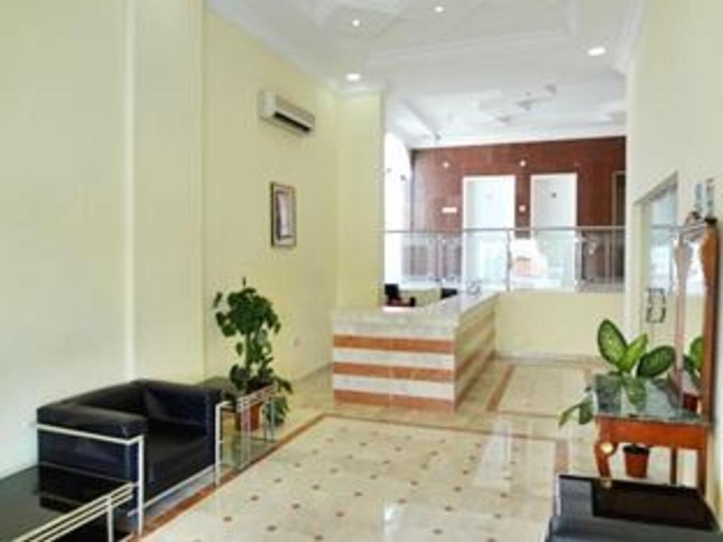 Al Faisal Hotel Suites in Sur - Room Deals, Photos & Reviews