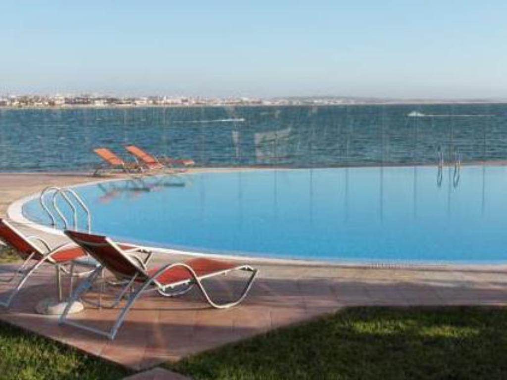 Swimming pool Bianca Beach Family & Resort