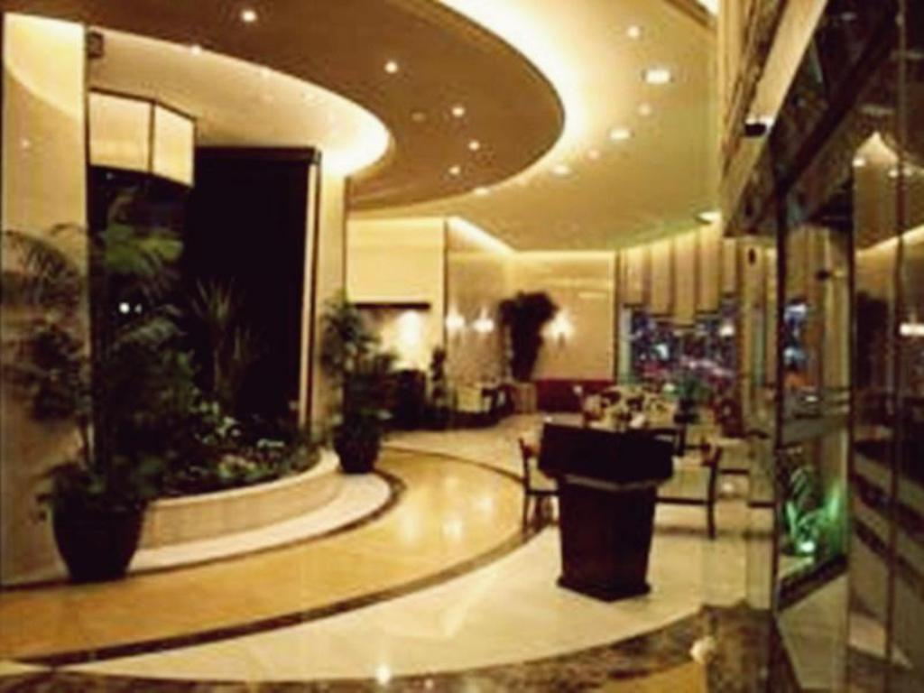 Foyer Awaliv International Hotel