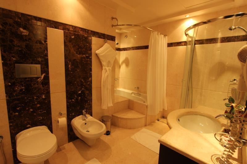Apartament Executive z hydromasażem (Executive Jacuzzi Suite)