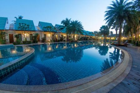 Swimming pool [outdoor] The Green Beach Resort