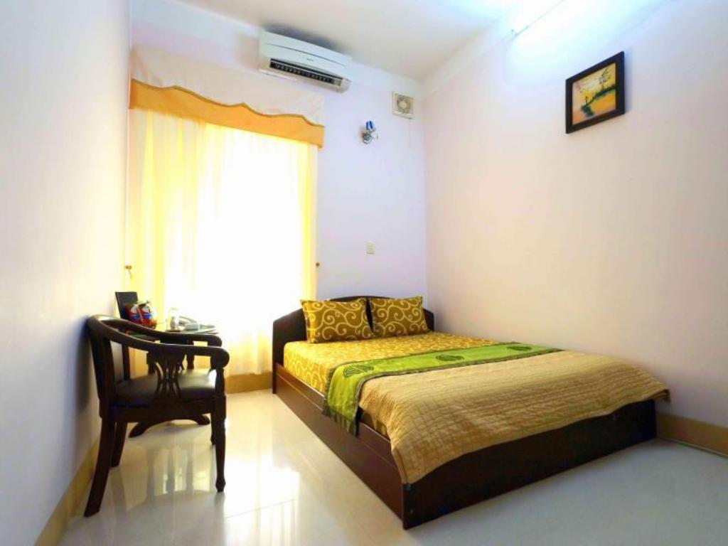 Standard Double Bed - Guestroom Anh Dao Hotel
