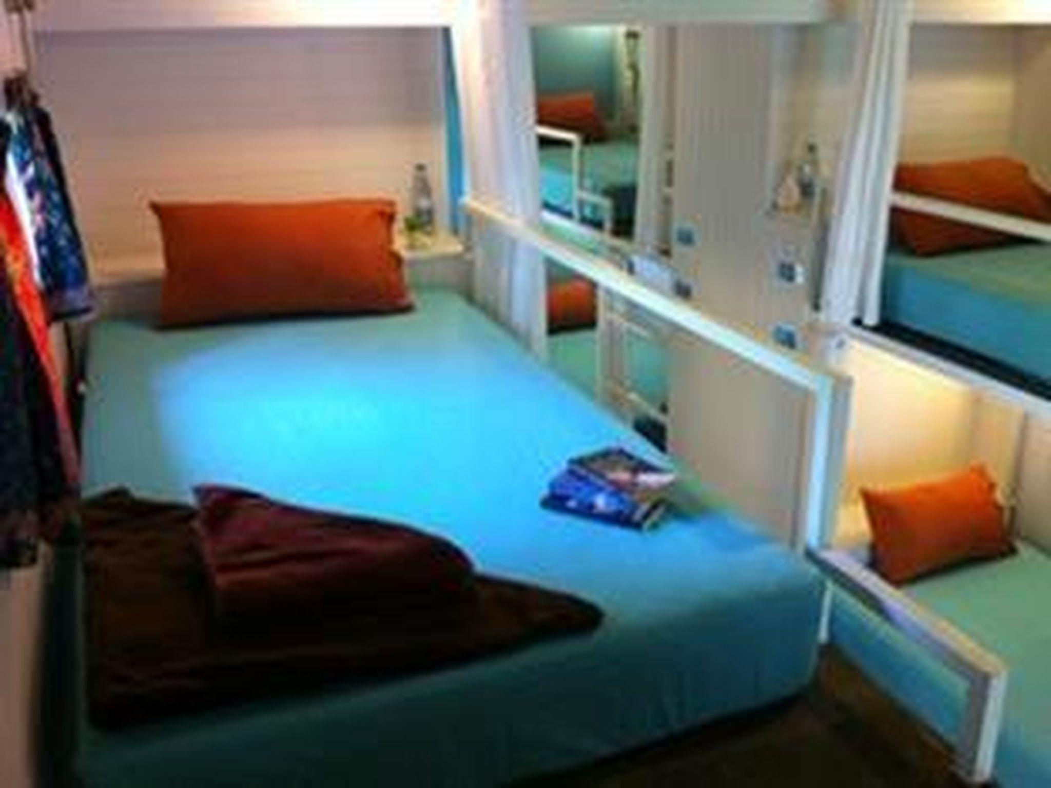 Lit simple dans un dortoir mixte (Single Bed Mixed Dormitory)