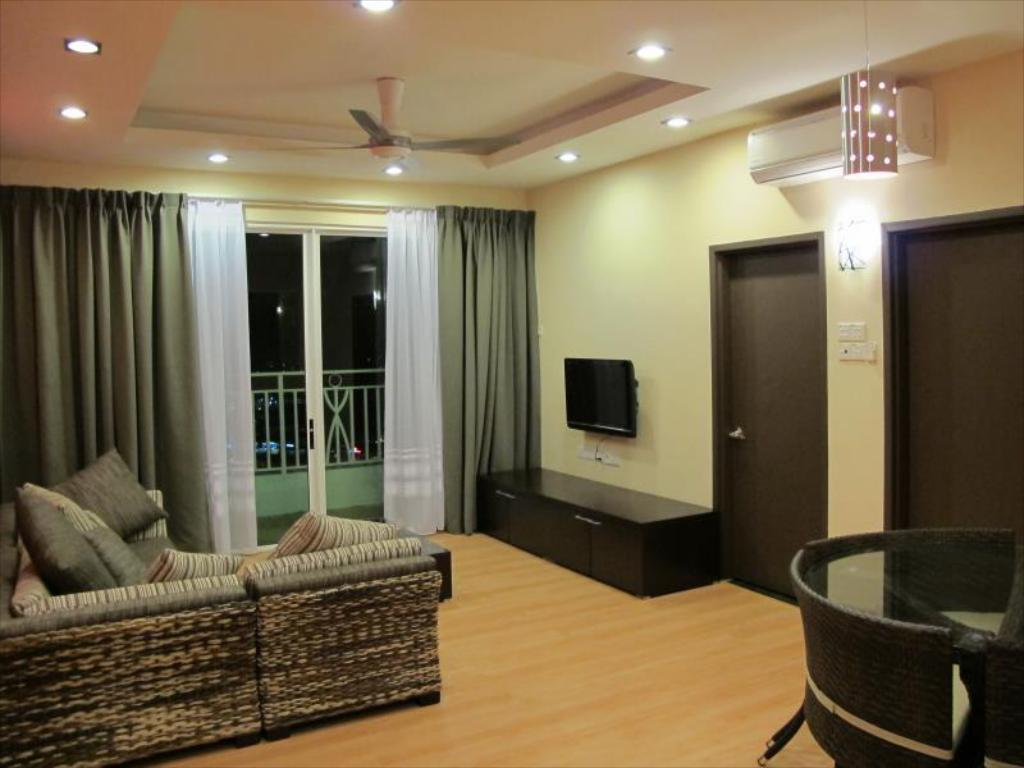 Borneo Holiday Homes @ 1Borneo Tower B Condominium