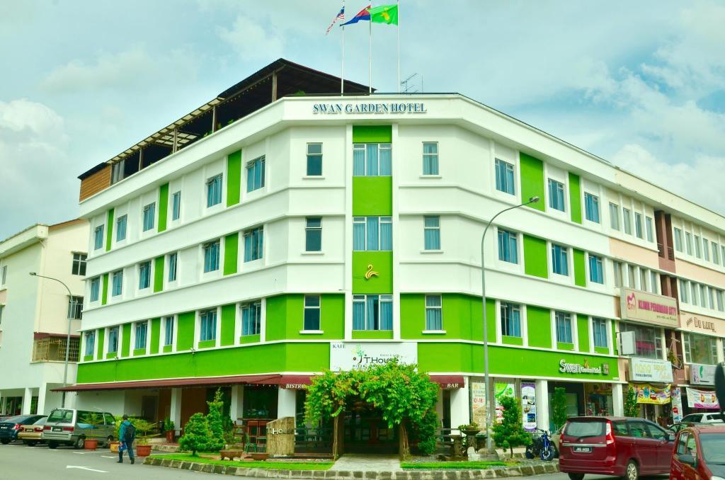 Best Price on Swan Garden Hotel in Johor Bahru + Reviews