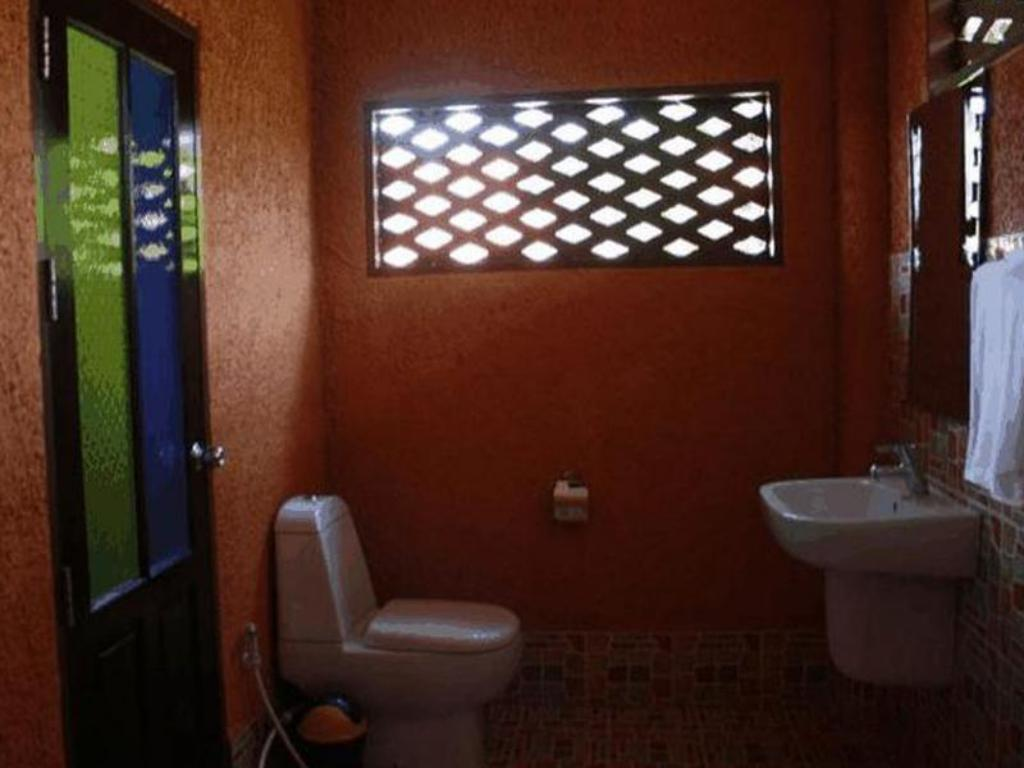 Bathroom Khetwarin Resort