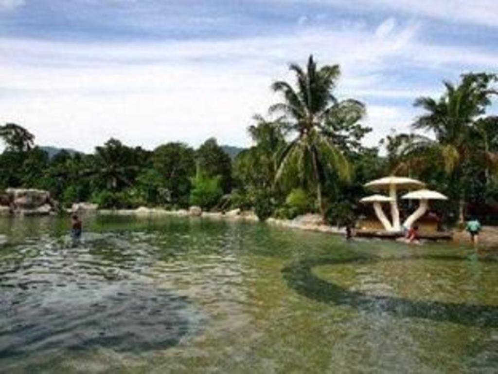 Sungai klah hot springs - Surrounding Environment