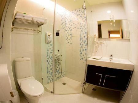 Bathroom K-ONE Homestay