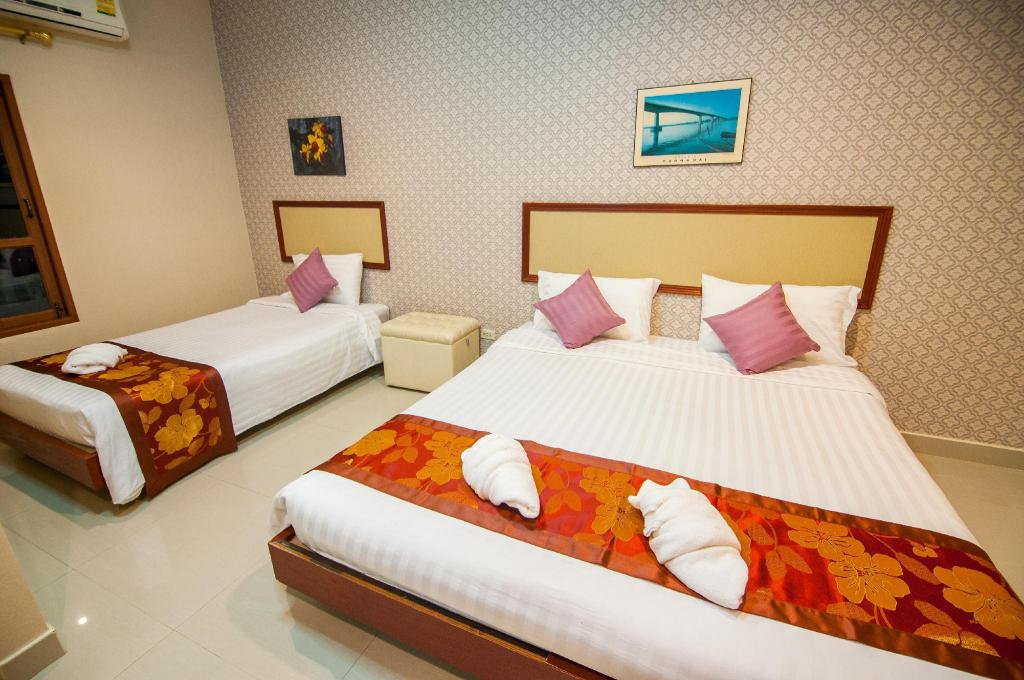 Bungalow Triple Bed - Bed Nongkhai Tavilla Hotel and Convention Center