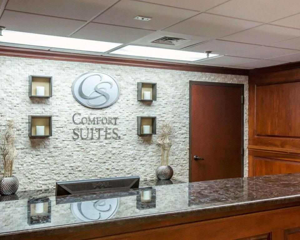 Predvorje Comfort Suites Outlet Center