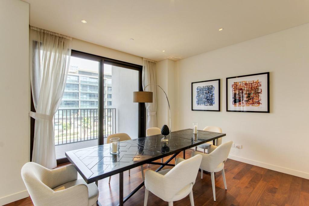 See all 15 photos Luxury City Living Reaches New Heights - 3 Beds In City Walk #204