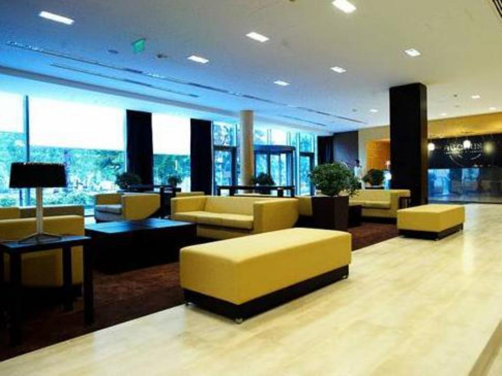 ردهة فندق أباكوس بيزنس آند ولنيسيز (Abacus Business & Wellness Hotel)