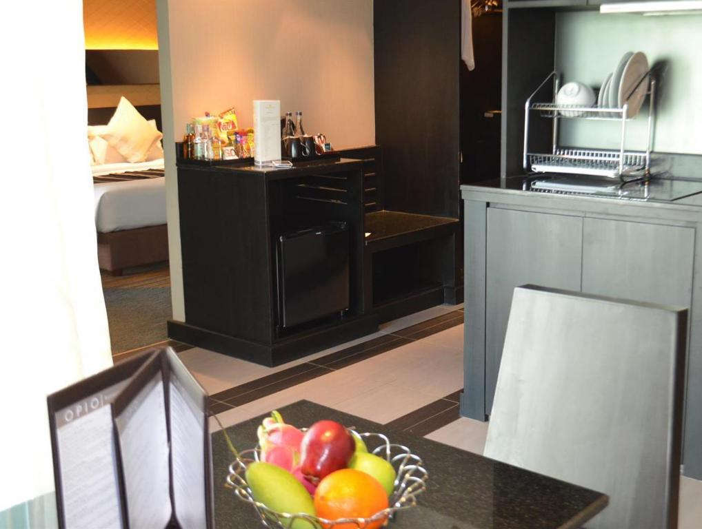 Интерьер Golden Tulip Mandison Suites